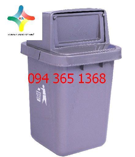 Thùng rác nhựa trung
